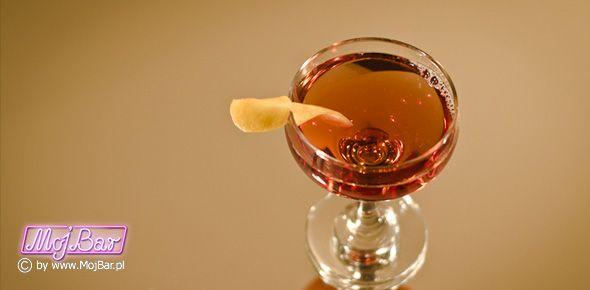 OPERA Elegancki i smaczny: gin - 40ml, dubonnet red - 40ml, maraschino - 10ml, bitter pomarańczowy - 3dash  Przepisy na drinki znajdziesz na: http://mojbar.pl/przepisy.htm