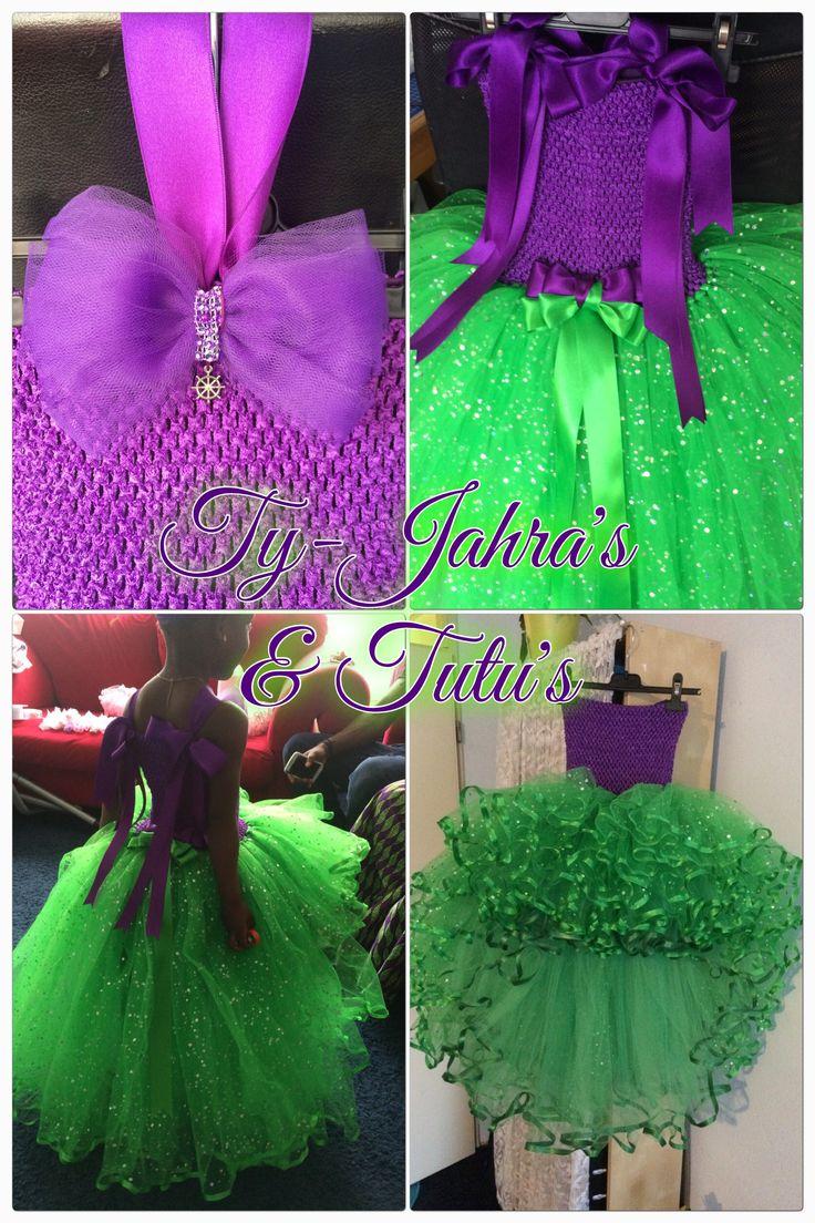 Prinses Ariel (De Kleine Zeemeermin) is de inspiratie geweest voor deze tutu.  Dit is de Princess Galaxy Ponytail Tutu in paars boven en emerald groen van onder 🎀  Toen ze het showde tijdens de passessie kon ze niet meer stil staan en wilde ze de tutu jurk ook niet heel gauw uittrekken...oeeee dat belooft wat 😱  Have Fun & Enjoy! @tyjahrastutus ✨🎀✨