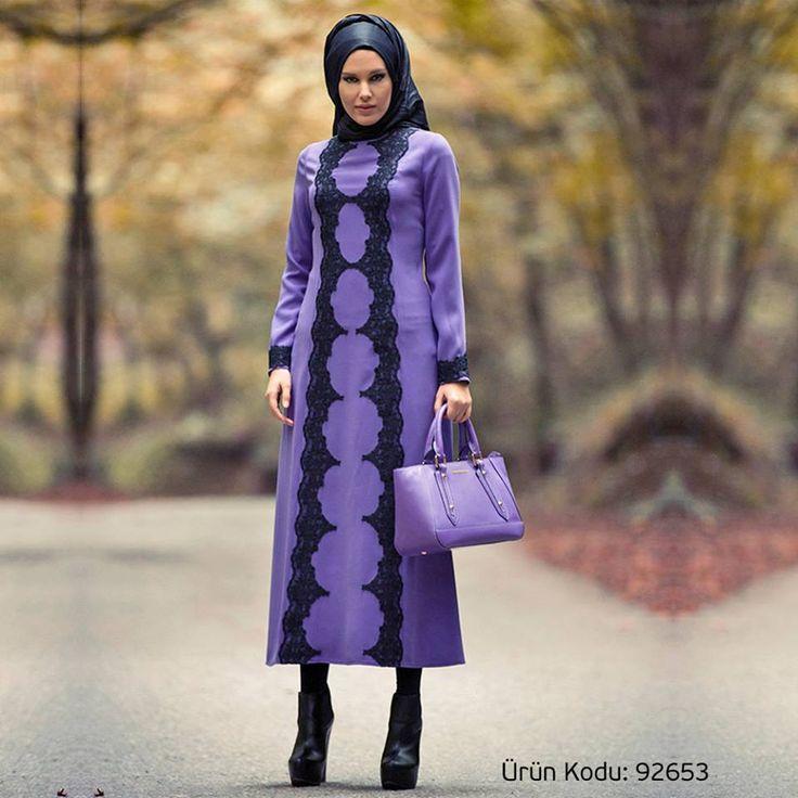 Trend renkleri dantellerle biraraya getiren tasarımcı Mustafa Dikmen'in harika tasarımlarından biri.