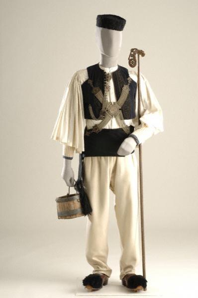 Ήπειρος, Σαρακατσάνοι & Βλάχοι   Epirus, worn by the Sarakatsani and Vlach people