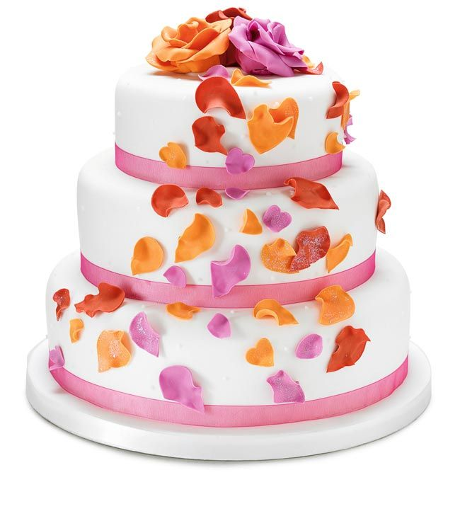 How to choose high street wedding cakes to suit your theme