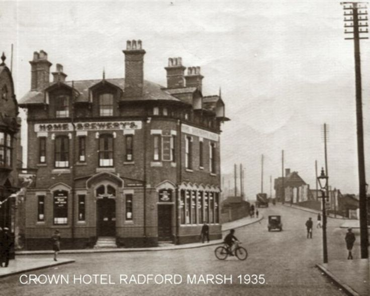 This public House was built in 1661 and was located on Ilkeston Road in Radford. The original 17th century Coaching Inn was pulled down and replaced by the present building in 1912. In the front wa…