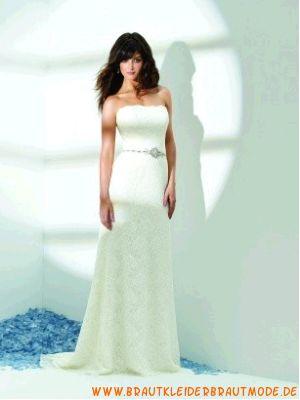 Günstiges schlichtes Brautkleid aus Spitze