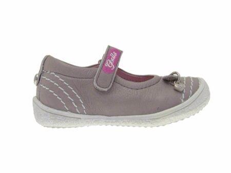 Ya llega la primavera y pronto el verano y no podían faltar en nuestro blog los zapatos de Gorila, los de la pelotita. Y...