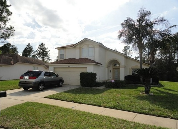 http://www.hotelsvshomes.com/holiday-rental-in-Clermont-pid=HVH1264292   http://www.justvillas.biz/search.php?controller=Listings=view=15