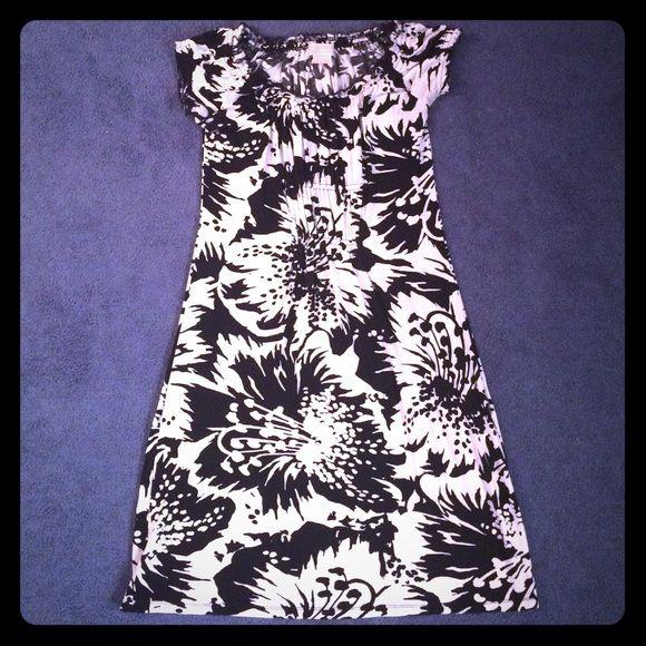 Michael Michael Kors Dress Floral black and white cap sleeve dress by Michael Kors. 95% Rayon 5% Spandex. MICHAEL Michael Kors Dresses