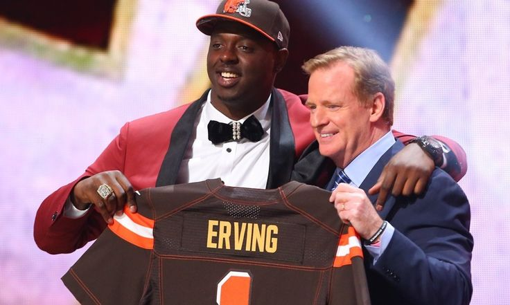 Cameron Erving has big shoes to fill with Browns = For the last seven years, like clockwork, center Alex Mack has anchored the offensive line for the Cleveland Browns. After being drafted with the 21st pick overall in the 2009 draft, Mack immediately became one of the.....