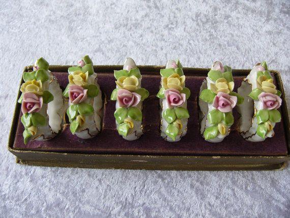 Vintage Napkin Rings ... Floral Serviette by DecorativeVintage
