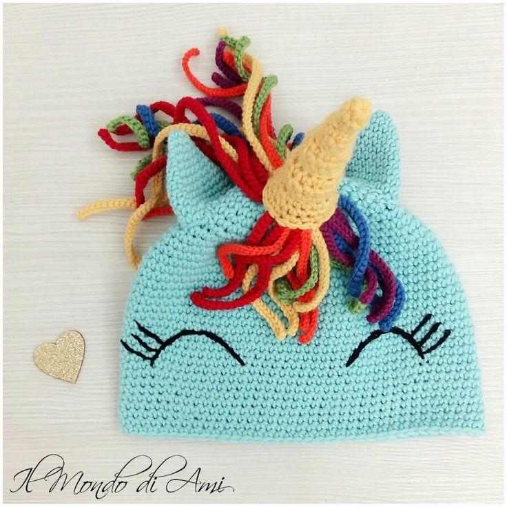 Quando ho chiesto ad amelia che berretto avrebbe voluto per l'inverno, ha scelto un soggetto semplice e sobrio. #unicorno #unicorn #rainbow #arcobaleno #amigurumi #handmade #crochet #fattoamano #uncinetto #ganchillo #berretto #hat