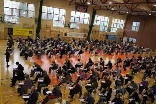 18 listopada 2012 w hali UCSiR przy ul. Hawajskiej odbyło się VII Ursynowskie Dyktando im. Andrzeja Ibisa-Wróblewskiego. http://ursynow.pl/projekty/ursynowskie-dyktando/dyktando-2012/