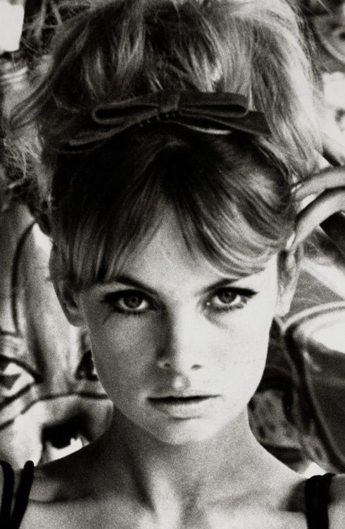 Jean Shrimpton......Beware of fake Model Agencies, that offer women work often in foreign cities/countries, recently in Hong Kong, two Punjabi India men, Ravi/Ravinder Dahiya, failed garment company owner, about 45, tall, handsome, white hair, eyeglasses, and a male subordinate solicited on Lantau Island for a non-existent modelling agency.....#RaviDahiyaTraffickerHK