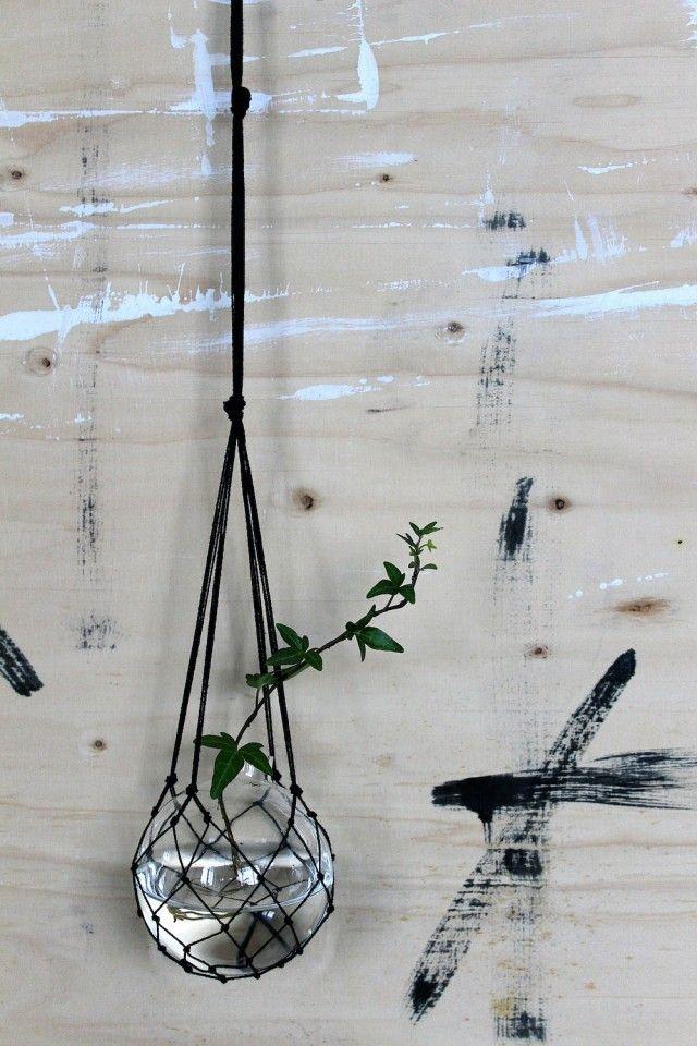 The Catch black - hanging vase - New arrivals! #havsglassverige #hangingvase #vase #makrame #blue #nordicdesign #nordicdesigncollective #nordic #scandinavian #designers