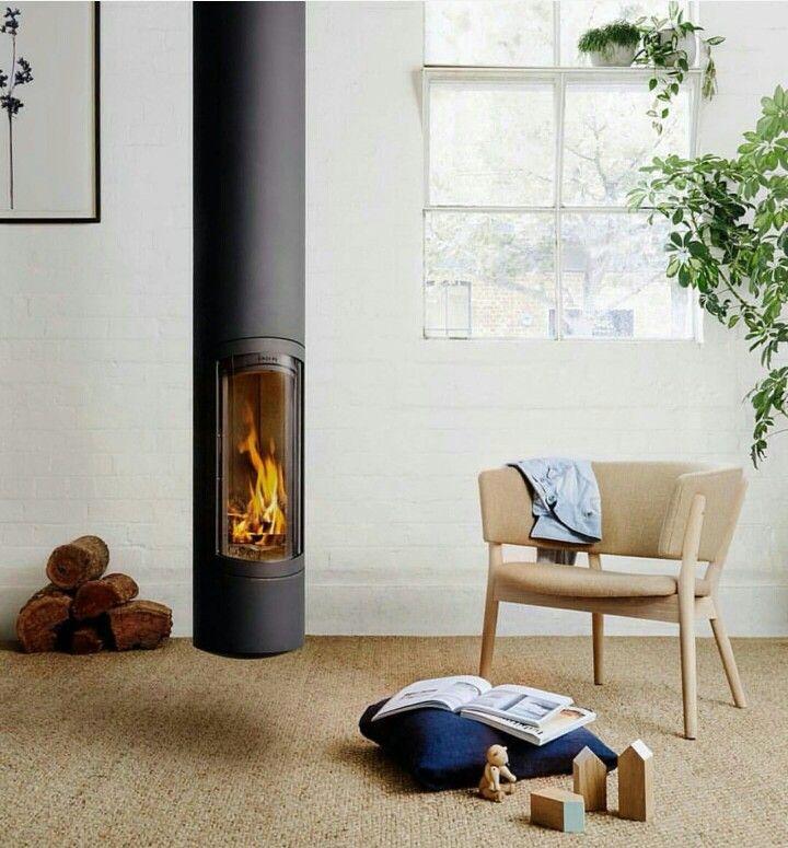 Nanna Ditzel easy chair, Oblica fireplace
