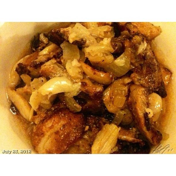 マスターシェフなかみさんの新作アドボ。 オススメ!!  new #adobo Adobo y logro #pork #dinner #food #philippines #master #chef  #フィリピン #料理