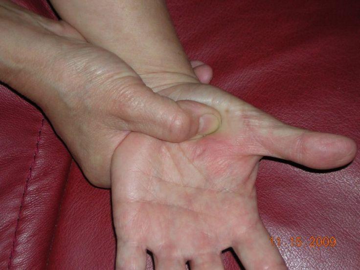 self help, self care, holistic care, sinus and lymphatic drainage hand reflexology tip