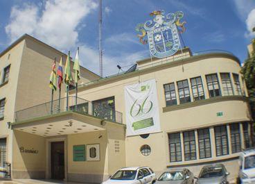 Edificio del antiguo Hotel Bucarica