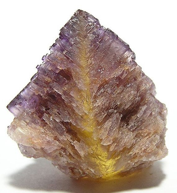 purple yellow zoned fluorite cave in rock illinois