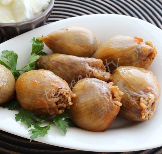 Soğan Dolması (etli) Tarifi - Yöresel Yemekler