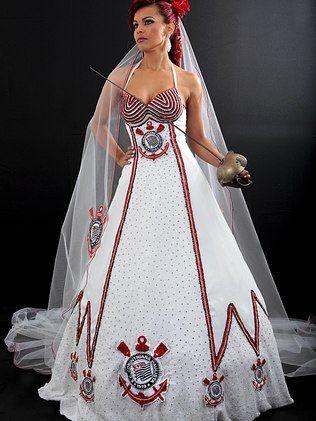 Lealdade, humildade, véu e grinalda: vestido de noiva do Corinthians faz sucesso nas redes sociais