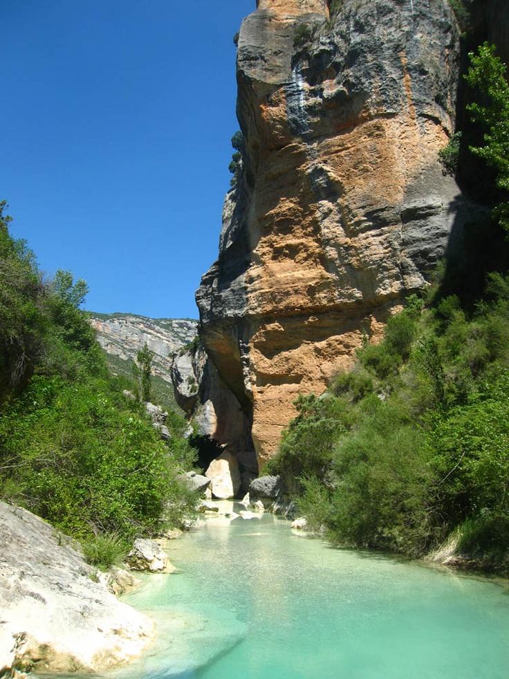 Huesca: Parque Nartural Sierra y Cañones de Guara. --- Huesca: Parc Naturel Sierra et canyons de Guara.