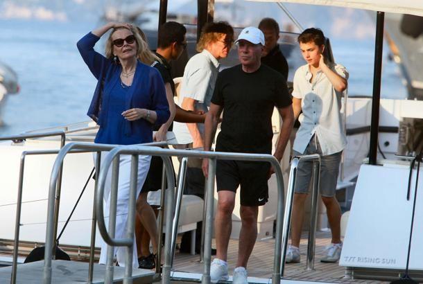 David #Geffen, produttore discografico e produttore cinematografico statunitense a #portofino #celebrity #shopping #style #trend #fashion