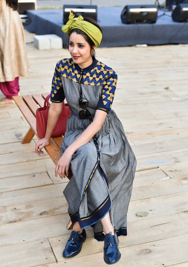 Street Style from Amazon India Fashion Week A/W '16 / patent oxfords + print