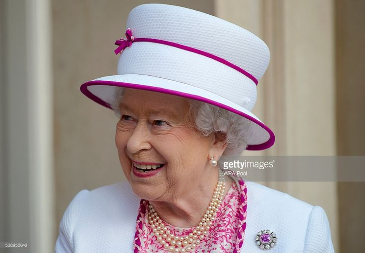 Queen Elizabeth II visits Marlborough House as she launches Commonwealth Hub which brings Commonwealth organisations together in the same location on June 9, 2016 in London, England. (Photo by Hannah McKay - WPA Pool/Getty Images)