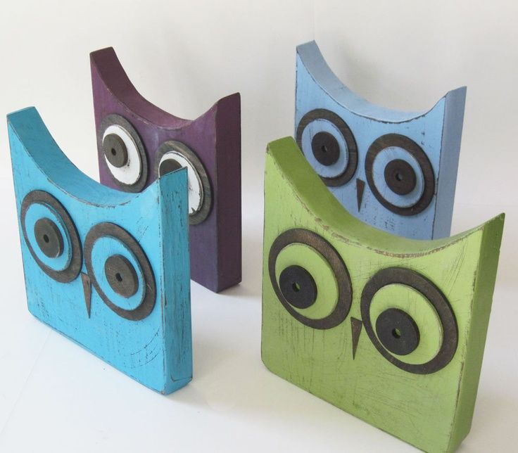 diy wood owls | Distressed Green Wood Owl 9x9x2. | DIY