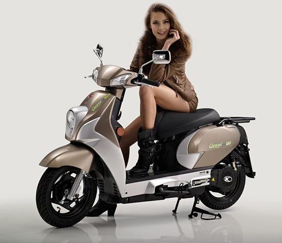 Le scooter électrique Kymco Queen 3.0 EV au look néo-rétro /// Kymco Queen 3.0 EV, a new old-school looking e-scooter