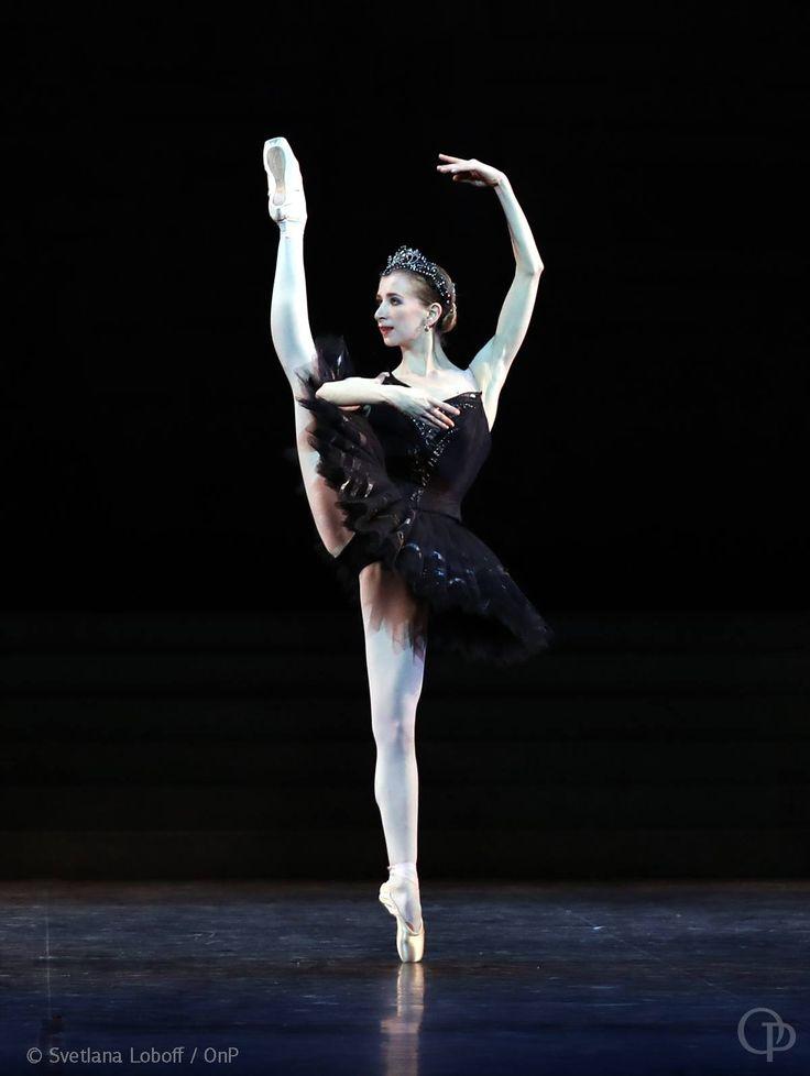 25+ best ideas about Black swan costume on Pinterest ...
