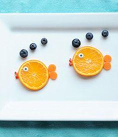 Comida para niños: peces de naranja. Funny Food, creative, Delicious, alimentos divertidos.