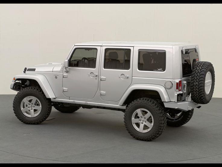 White Jeep Rubicon | White Jeep Wrangler Unlimited Rubicon Side Angle