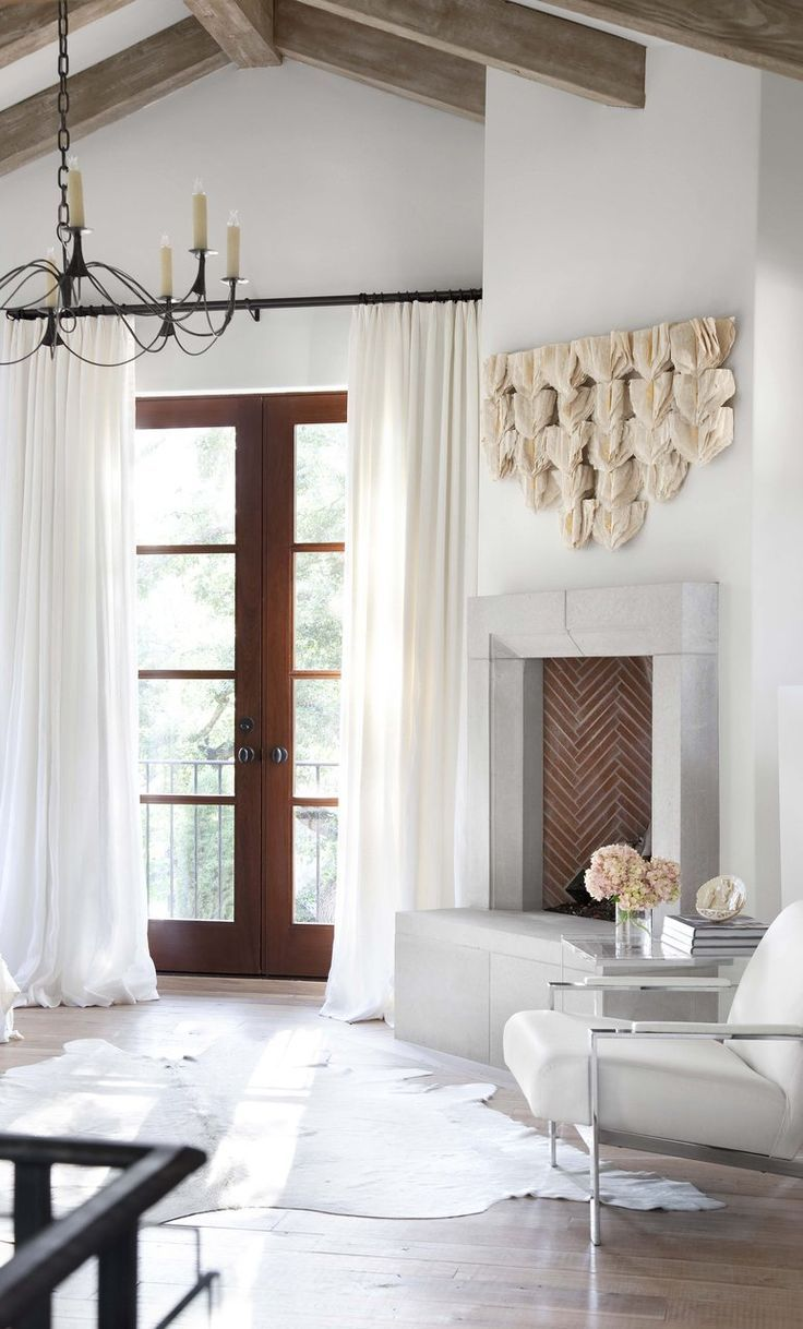 A mix of textures and plenty of natural light make for an intriguing design in Texas. From architectRyan Streetwithinterior designbyElizabeth Stanley, the home was photographed byRyann Ford. All bright whites and natural flourishes, thelook is full ofeasy, warm sophistication.Tour a Crisp and Eclectic Austin Abode via @MyDomaine
