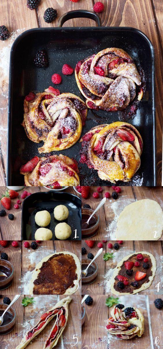 gedrehte Hefezöpfe mit dreierlei Früchten