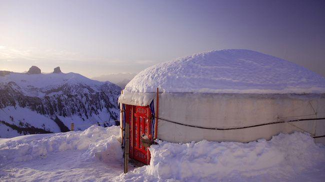 Mongol Yurts, 2000m - Switzerland Tourism