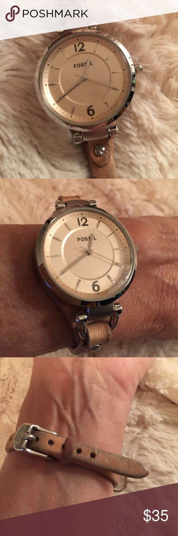 Fossil Watch This is a great watch. Yes the battery works. There is some wear on the band as shown in the picture.  Comes with the box. Fossil Accessories Watches