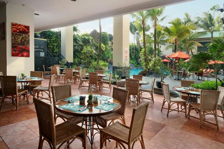 Break your day and have a little time for chit-chat at our Casa mia Restaurant.