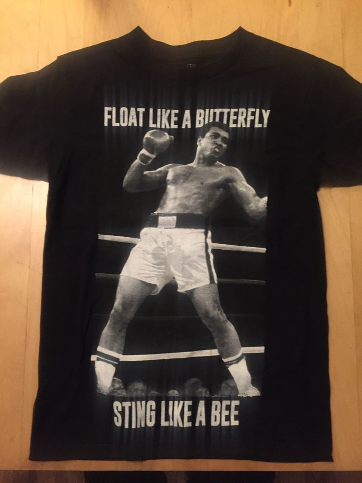 """""""Float like a butterfly, Sting like a bee"""" - the great words from a the legend himself, Muhammed Ali T-Shirt is unisex size small Gently pre-loved   #boxing #boxinglife #wrestling #fitness #vegan #gains #beastmode #gymlife #gymrats #cassiusclay #floatlikeabutterfly #muhammedali #champion #legend #professionalboxing #professionalboxer #americana  #georgeforeman #miketyson #heavyweight #thrillainmanila"""
