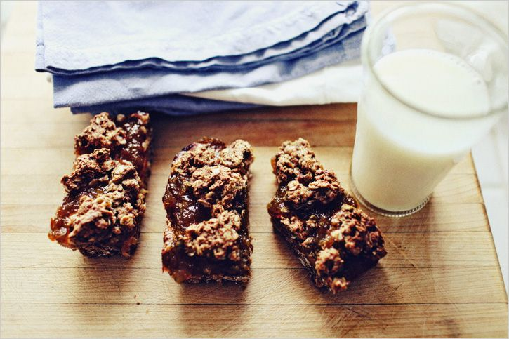 Spelt and Oat Fig Bars gluten free - I love these!! A delicious take on a healthier gluten free oat bar. So good!