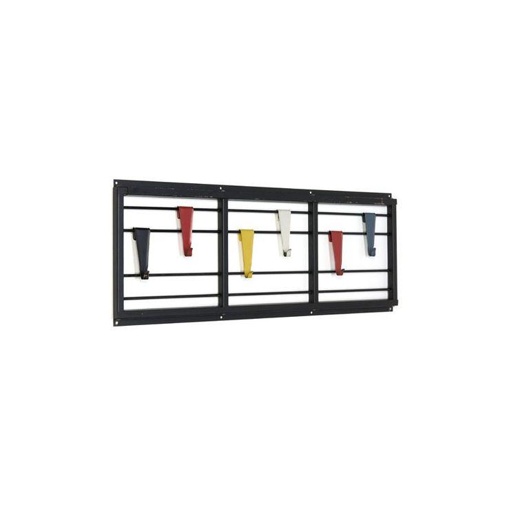 425-, Nederlands design uit de jaren vijftig. De Servo Muto kapstok is ontworpen door Tjerk Reijenga voor Pilastro. Zwart metalen frame met 6 haakjes in verschille...