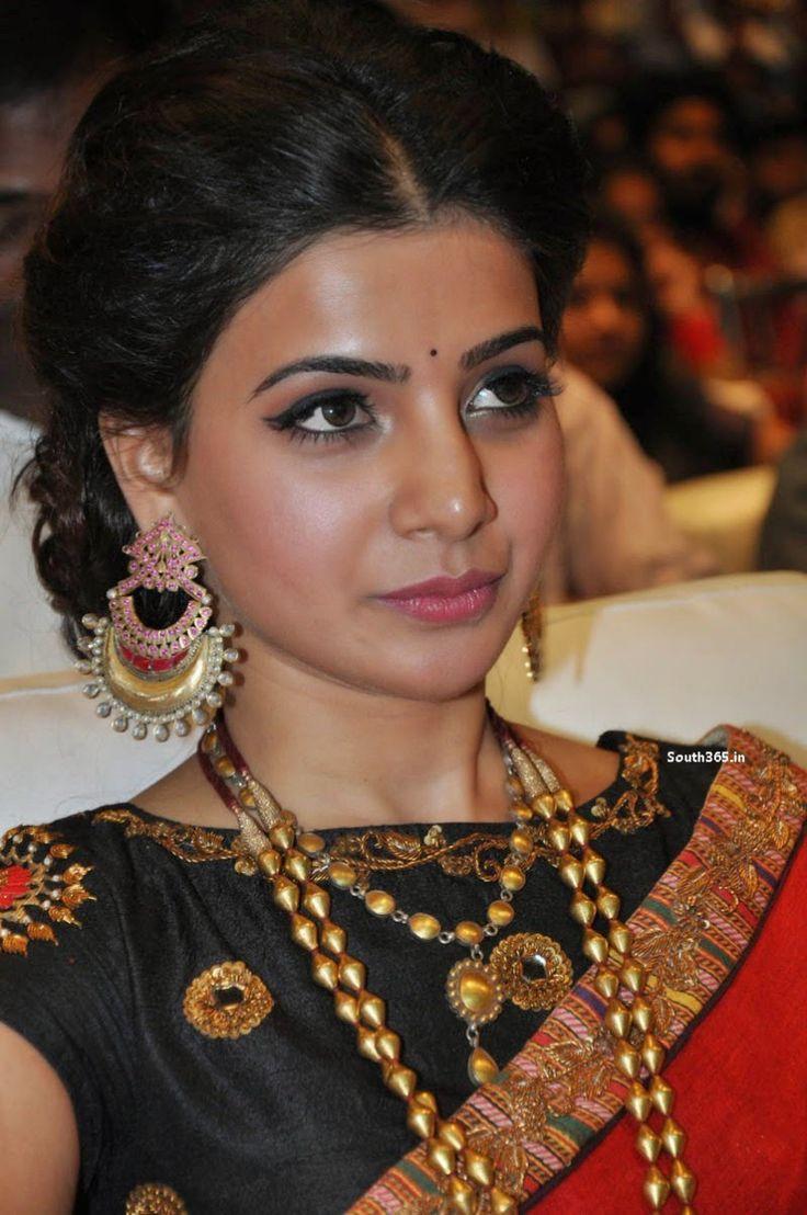 Samantha Ruth Prabhu At Son Of Satyamurthy Movie Music Launch (25)