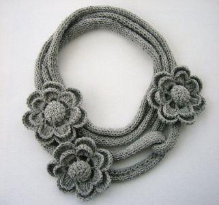 collana lana uncinetto fiori fai da te