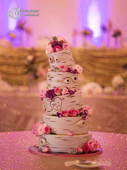 A birch tree themed wedding cake is perfect for those outdoor or boho weddings. And it sure looks great on the cake table!  http://www.thehphoto.com/  #hphotography #wedding #cake #birch #tree #flowers #pink #boho #outdoor