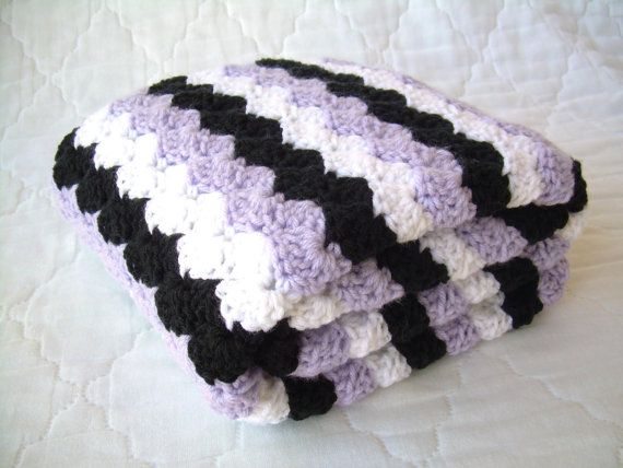 Crochet Baby Blanket Baby Blanket Crochet Purple par Jadescloset - This looks soft, who says it has to be used for a baby?