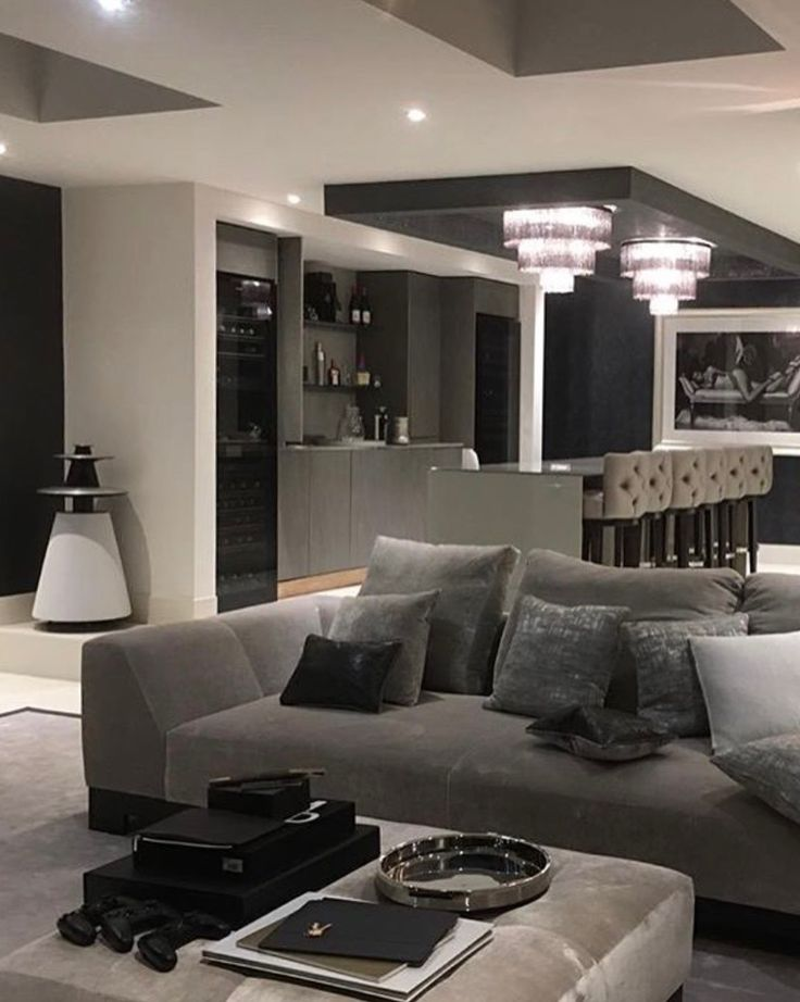 Thank You @jodysanders78 for sharing this classy interior featuring Bang & Olufsen BeoLab 5 in white!