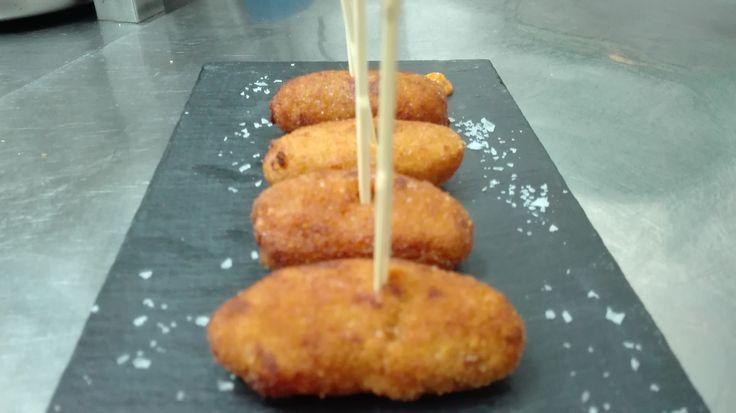 Vamos a empezar con un aperitivo que gusta a pequeños y mayores¡¡¡ #antoniorestaurantezgz #restaurante #menu #pilar #aperitivo
