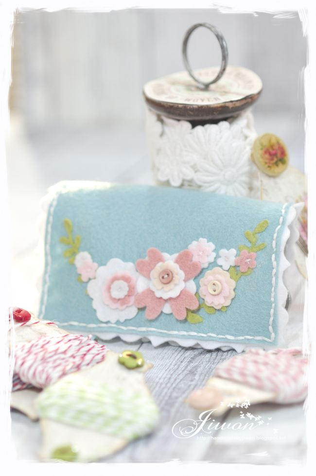 Jiwon Crafts Blog: Flower needle case