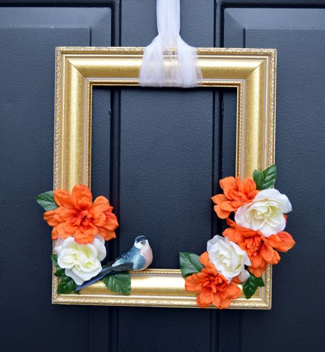 Designer Dawn is on our blog with a cute shabby chic front door hanger – a Blue Bird Frame. It's a quick weekend home decor project.