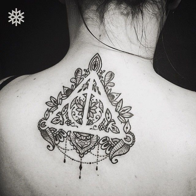 1000 ideas about deathly hallows tattoo on pinterest harry potter tattoos tattoos and hp tattoo. Black Bedroom Furniture Sets. Home Design Ideas