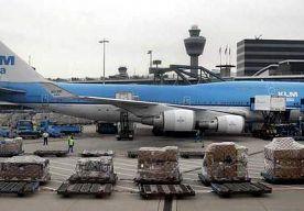 4-Dec-2013 19:57 - KLM SCHRAPT VLUCHTEN OM STORM. Luchtvaartmaatschappij KLM heeft, nu er extreem weer op komst is, uit voorzorg een aantal vluchten voor donderdag geschrapt. Ook zegt het bedrijf...